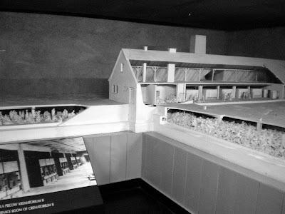 Un voyage d 39 tude auschwitz maquette des chambres - Existence des chambres a gaz ...