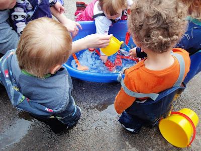 Norlandia Myrertoppen barnehage: Vannlek er gøy!