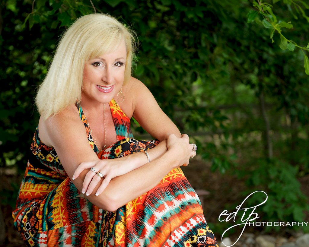 mrs ms earth pageant mrs virginia earth has photo shoot done. Black Bedroom Furniture Sets. Home Design Ideas