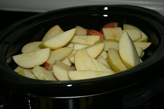 How to Make Apple Butter in the CrockPot Slow Cooker. I've used quite a few recipes in the past, but this one really is the easiest and has the best results. From the A Year of Slow Cooking website.