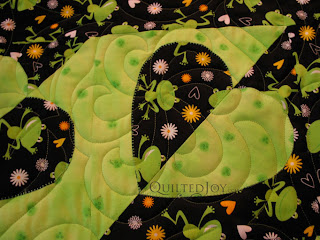 Madeira Heart Quilt with edge to edge quilting by Angela Huffman - QuiltedJoy.com