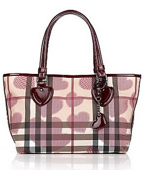 I m officially addicted! Burberry Nova Check Heart bag collection is ... f37c96f5afac4