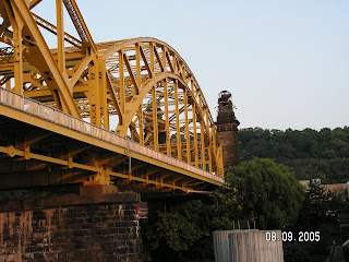 A Pittsburgh bridge