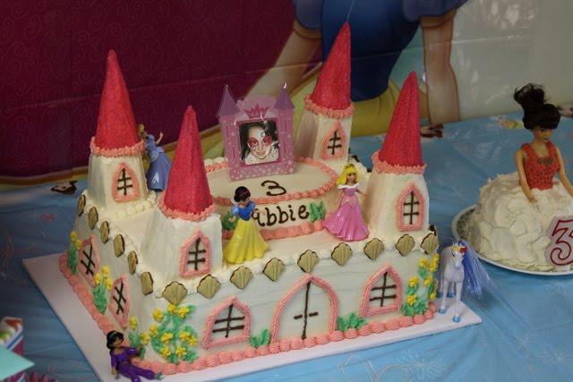Digicrumbs Princess Castle Birthday Cake With A Small Princess Cake