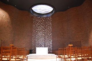 Escultura del Altar de la Capilla del MIT Harry Bertoia