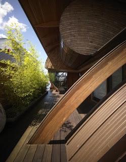 Casa flotante en madera