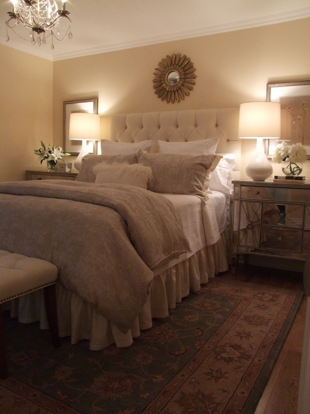 Cream Bedroom Decor: CREED: Master Retreat: 70's Sidesplit