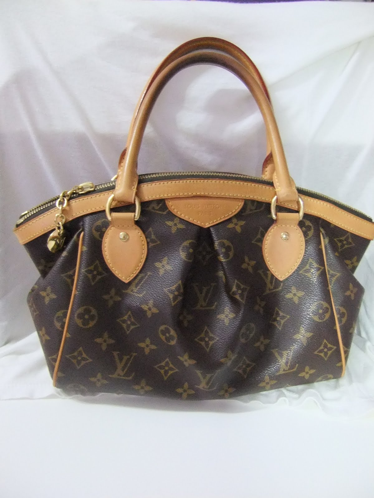 Louis Vuitton Tivoli Pm Brand New This Is My Online Closet Selling Brand New Or Any Pre Owned Items