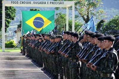 b67636bcff8e1 world military  Exercito reverencia a Infantaria
