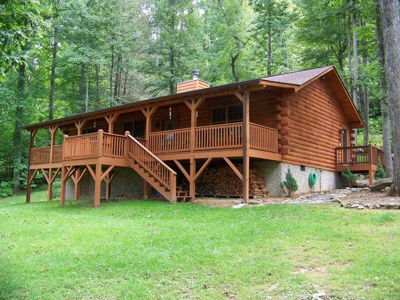 NC Mountain News: Waynesville Cabin In The Smoky Mountains