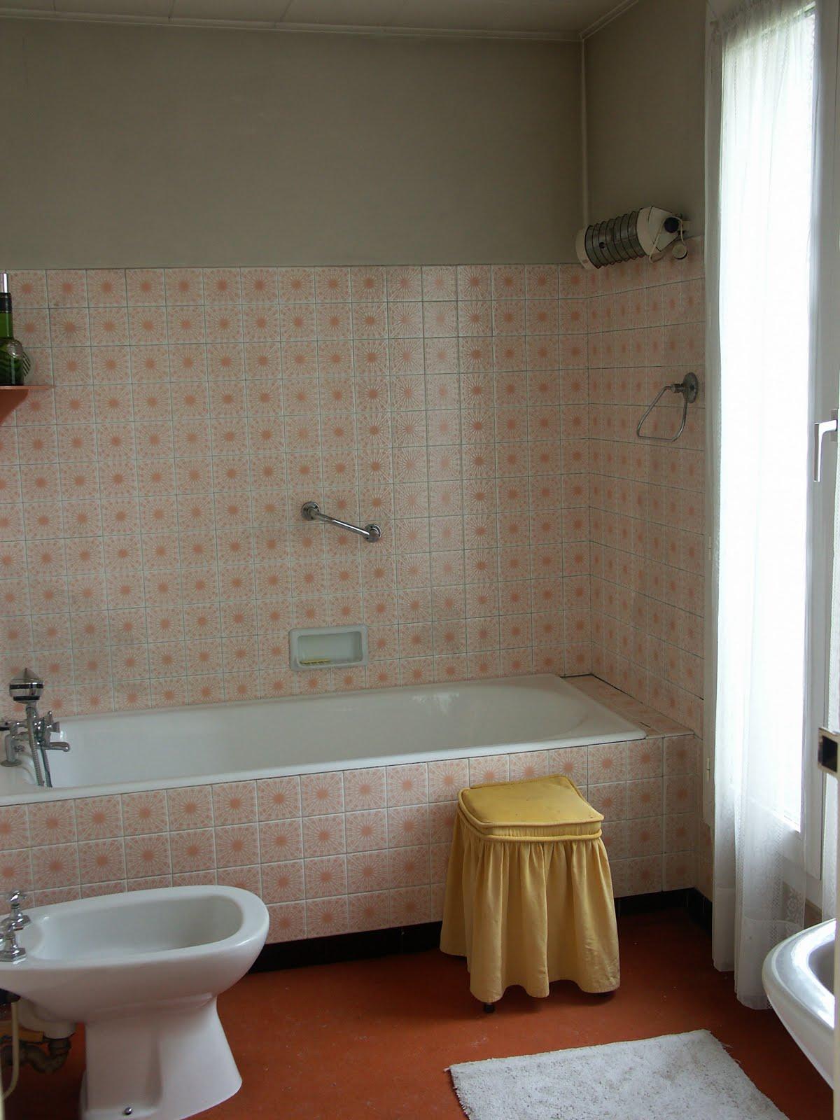 carrelage salle de bain par quoi commencer. Black Bedroom Furniture Sets. Home Design Ideas
