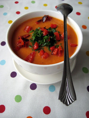 roasted red pepper & cauliflower soup