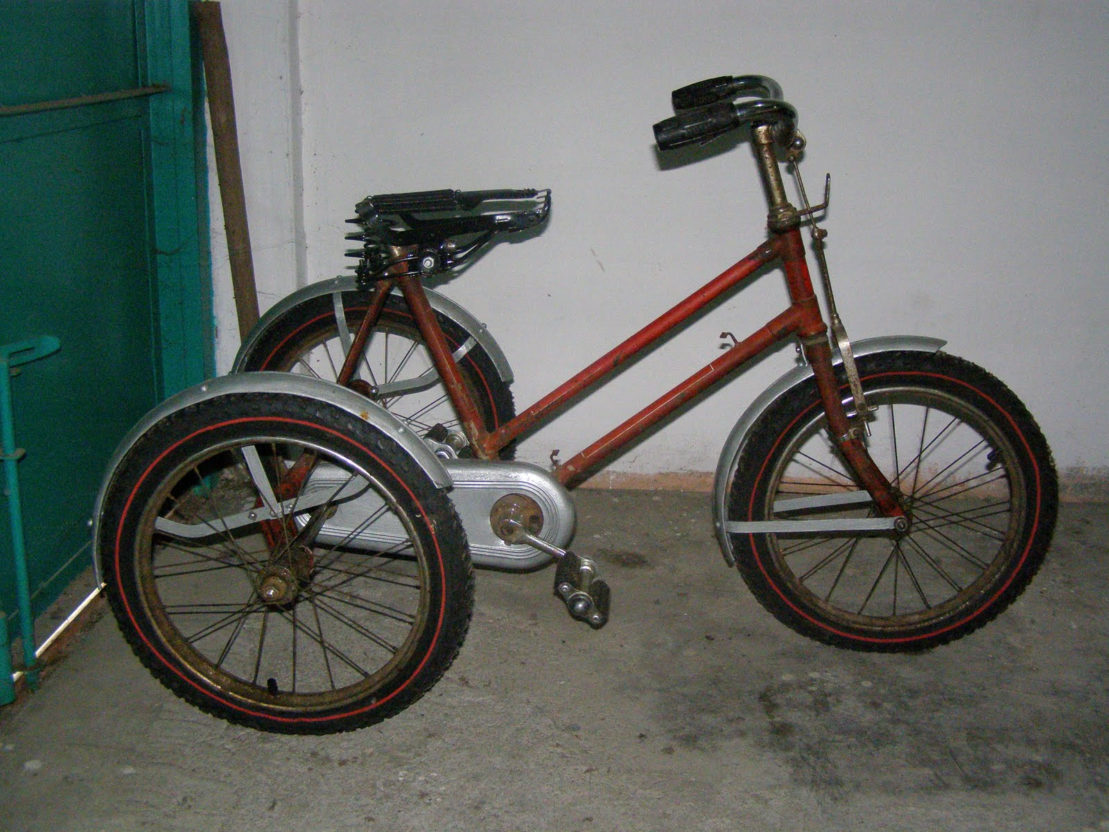 Motor Klasik, Sepeda Ontel dan Barang Antik Dijual Sepeda