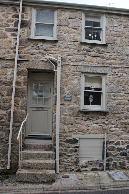 The Top Ten Front Door Paint Colours For Cotswold Stone Houses Farrow and Ball Bone