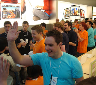 Hi-Fives and free T-shirts as Belfast's Apple Store opens