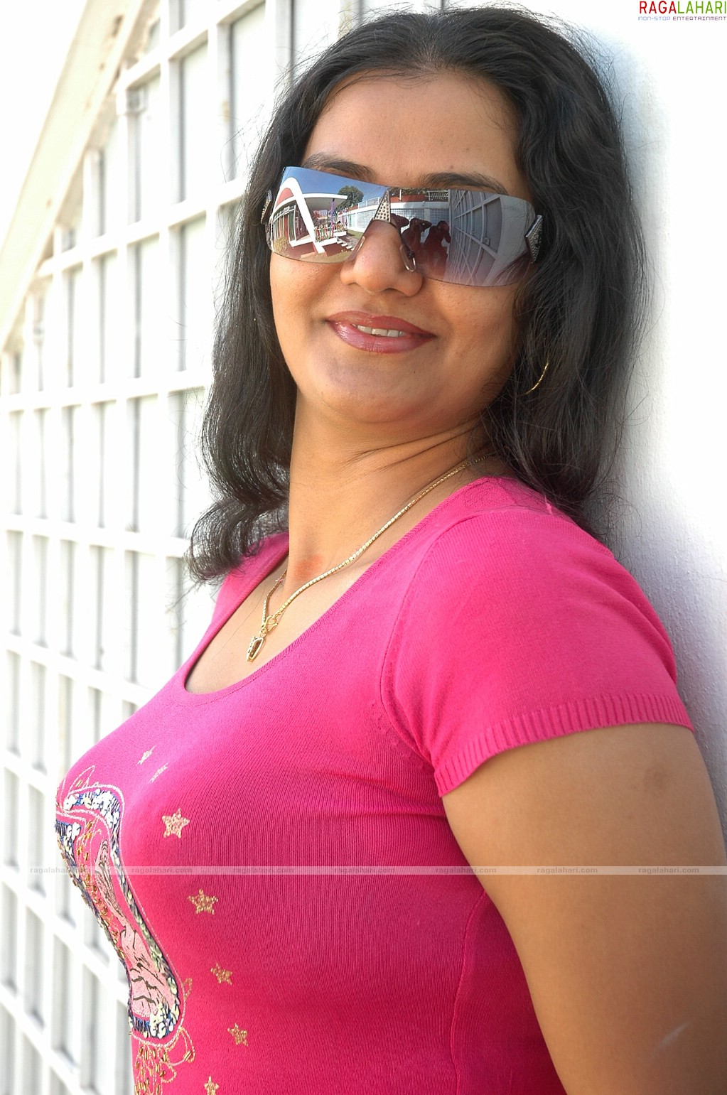 Hot aunty picture