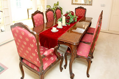 Moving Sell Custom Made Versailles Dining Table With 8