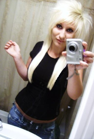Blonde emo girl hairstyles above