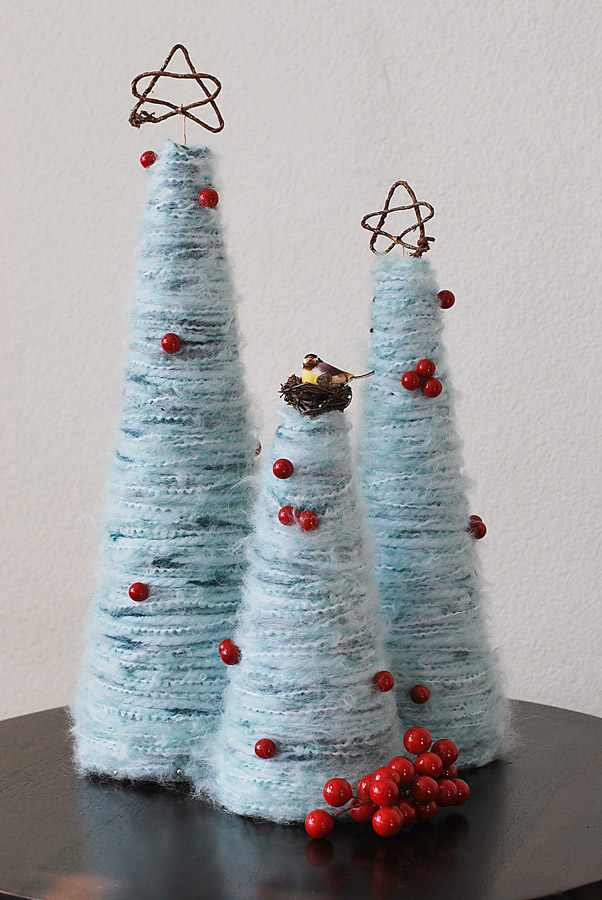 Pretty ditty yarn christmas trees tutorial for Cose con la z