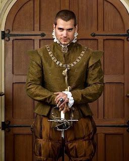 henry cavill+Tudor