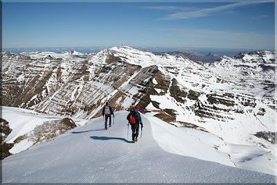 Caminado por el nevado cordal