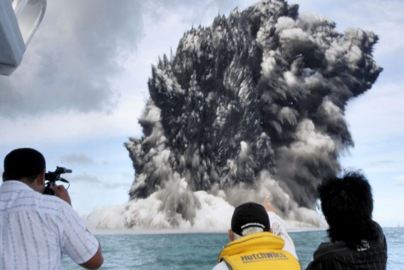 Undersea Tonga volcano erupts in Pacific ocean: 11Pics+video