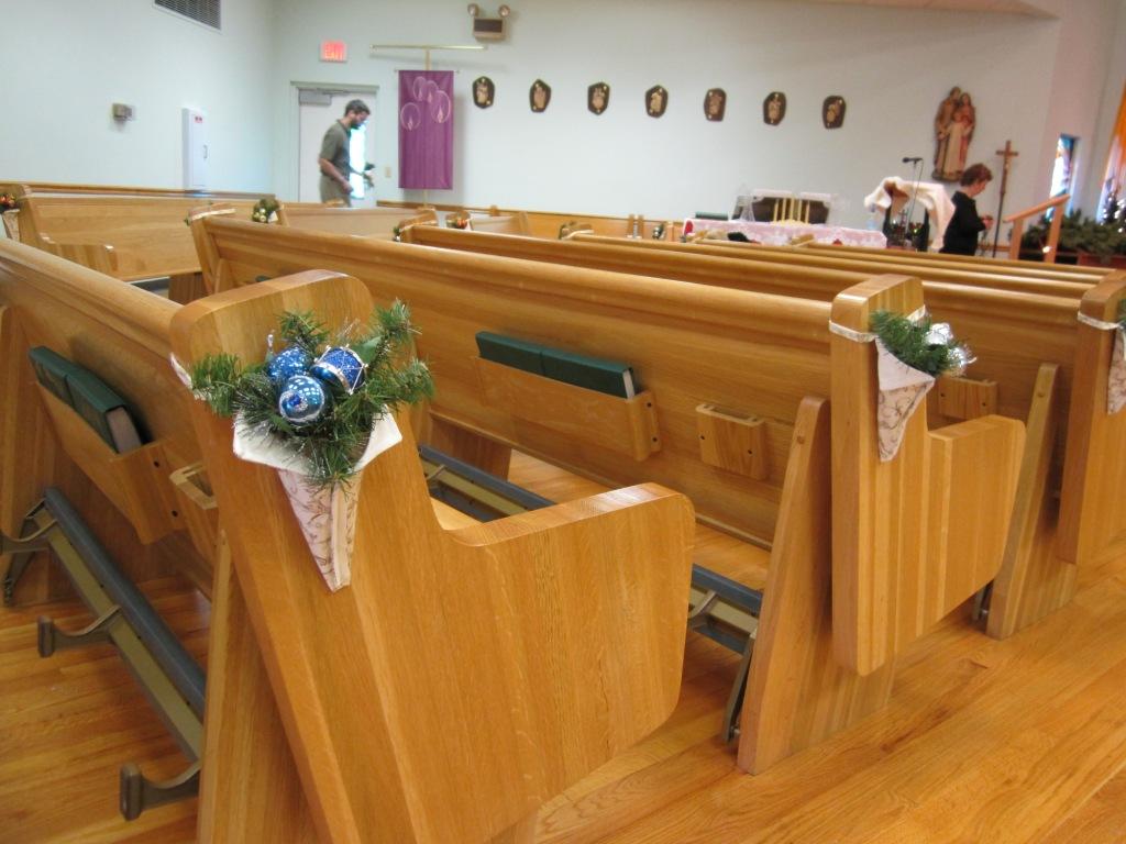 Ruthlynn's World: Church Christmas Decorating