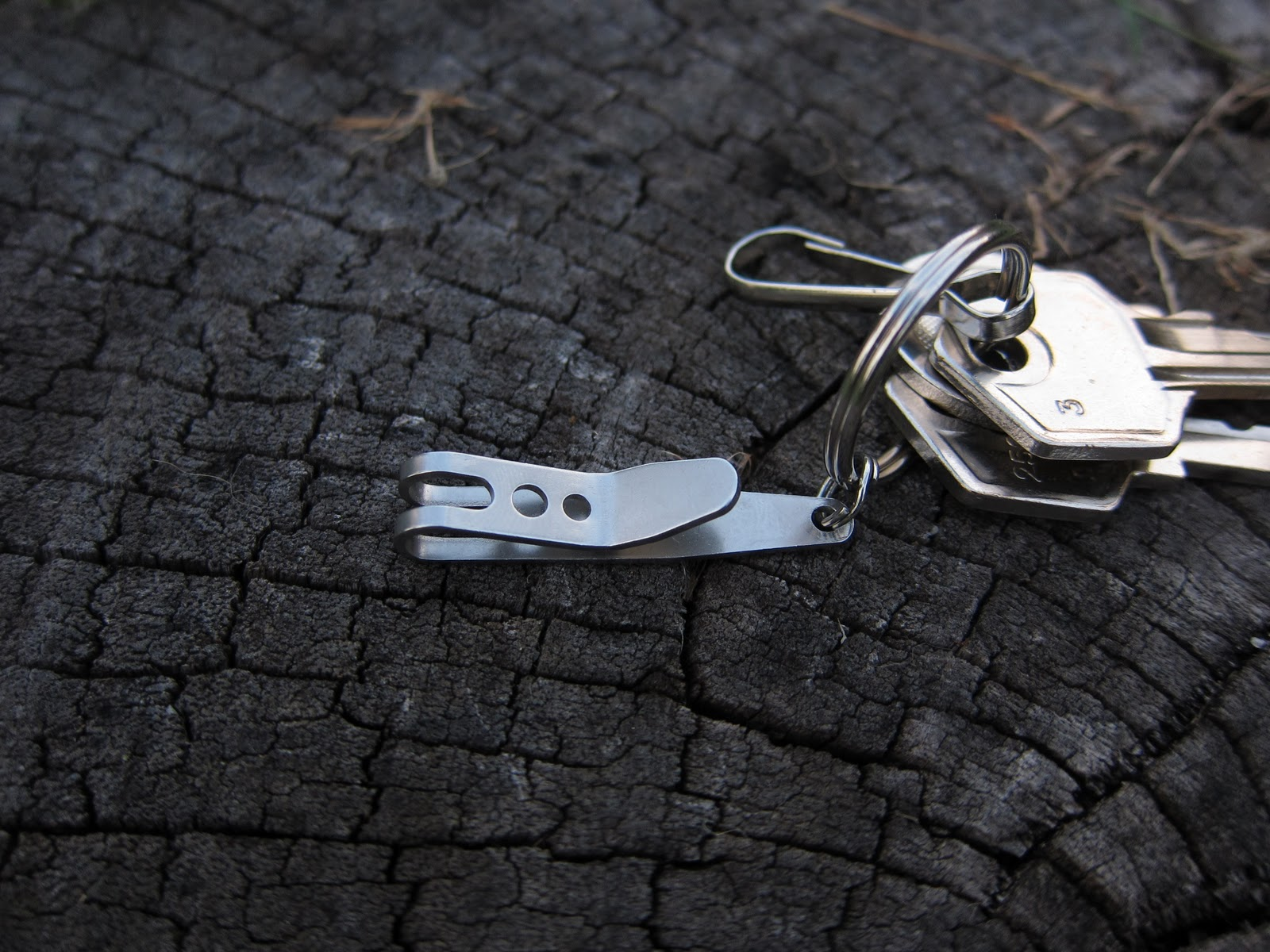 TEC Accessories P-7 suspension clip | Keychain Gadgets and