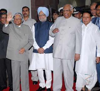 Dr. APJ Abdul Kalam with Prime minister Man Mohan Singh