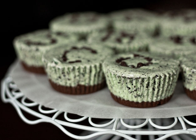 Ericas Sweet Tooth Mint Oreo Ice Cream Cupcakes