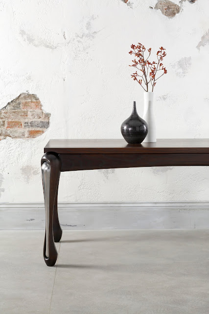bespoke handcrafted handmade oak table by Andrea Felice AF Deisgns
