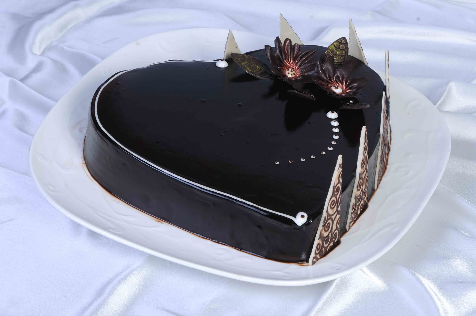 Cakes And More Dutch Chocolate Heart