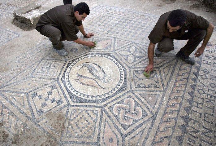 Prisioneros descubren mosaico en Israel, Megiddo