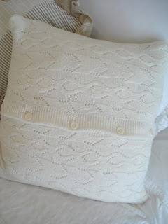 DIY 10 minute Sweater Pillow - Christmas Gifts to start now.