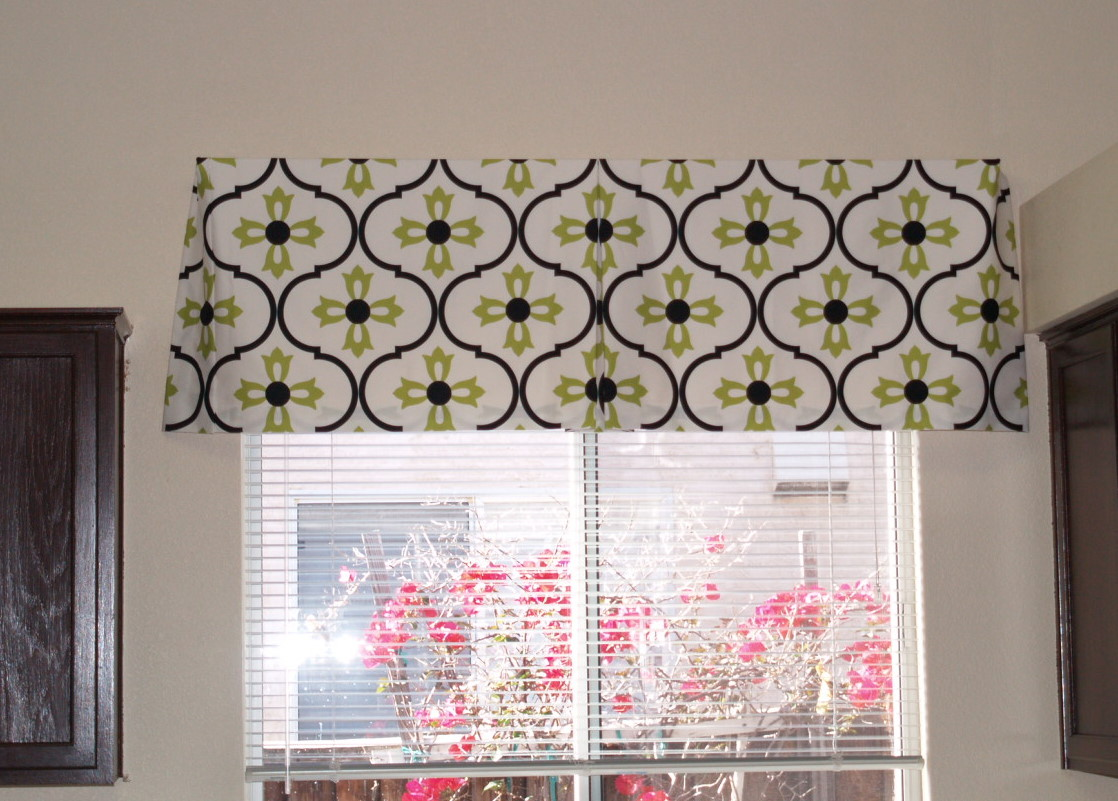 The Reluctant Blogger Make Your Own Box Pleat Valance