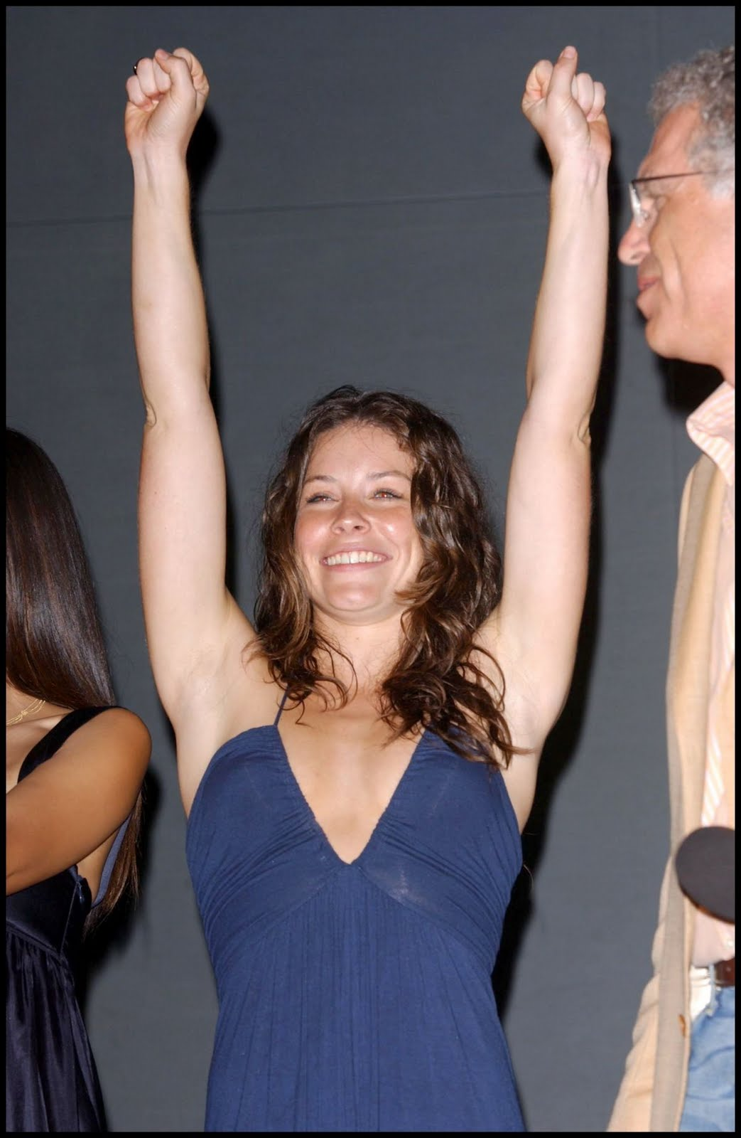 Evangeline Lilly S Muscle And Bicycle Liveofofo