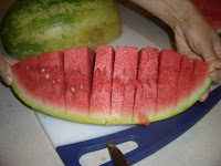It's not easy to cut a watermelon, and the bigger the watermelon the harder it is to cut it into bite-sized chunks. Here's how to make the task much easier. #WomenLivingWell #lifehacks #summerhacks #watermelon