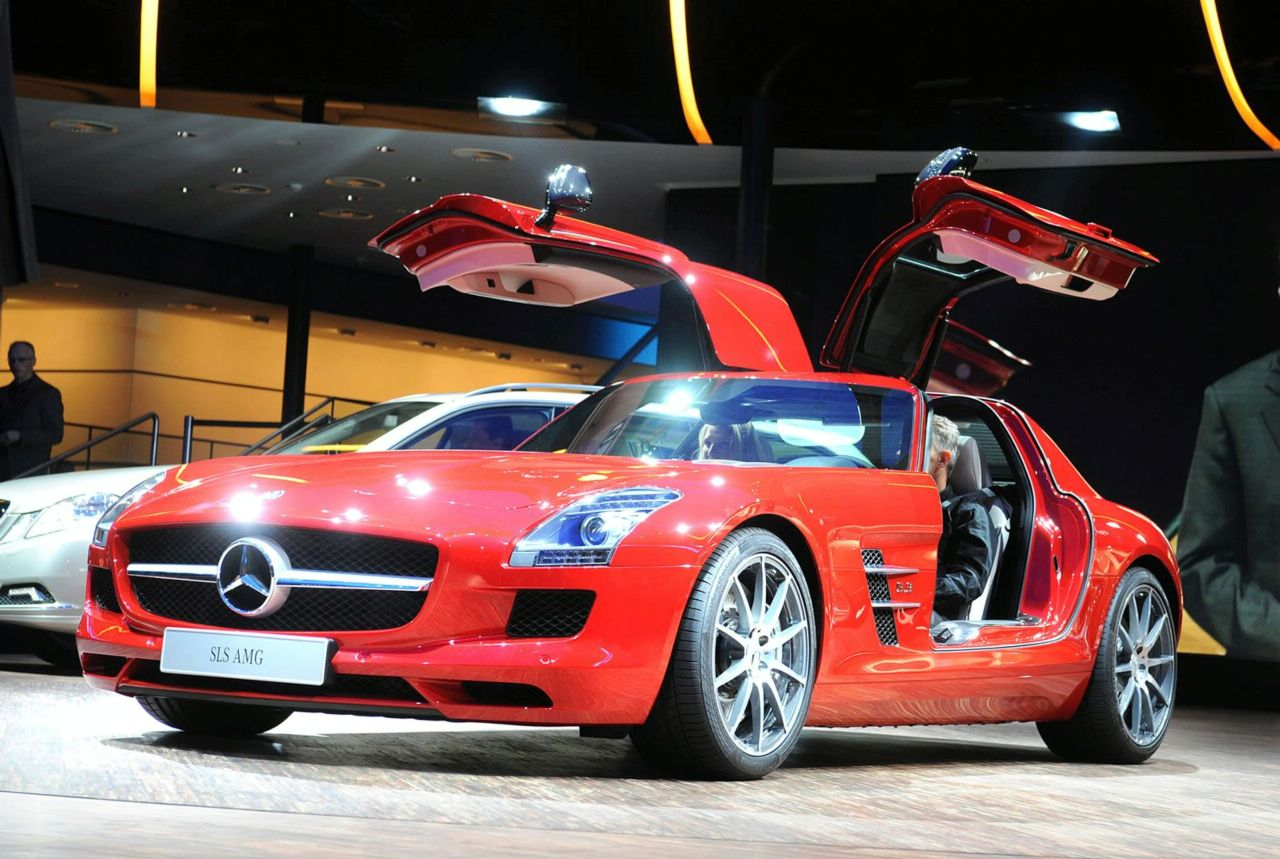 Sonax Amg Mercedes Clrp Lmp1: A Day In SG: Mercedes Benz Sls Amg Car Made To Fly