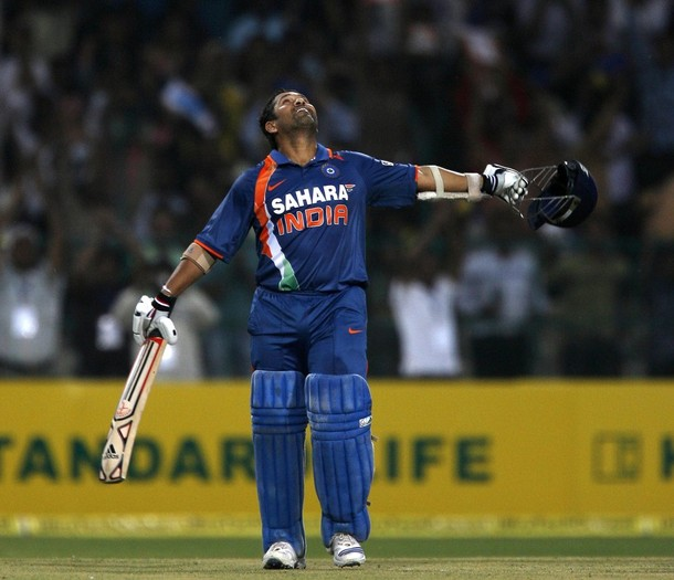 Sachin Tendulkar makes history 200 Not Out - Photos ...