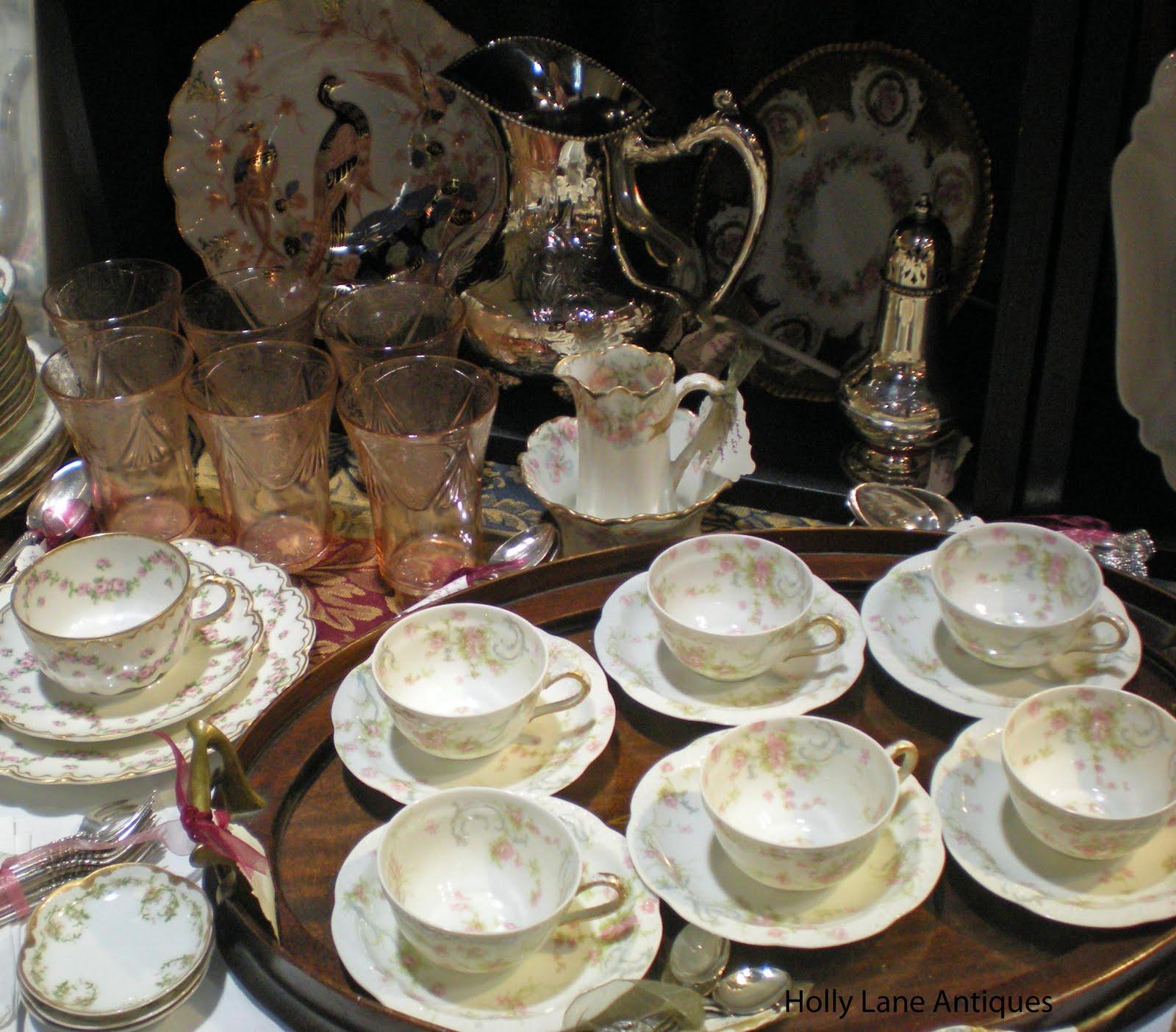 Holly Lane Antiques: Holiday Shopping At Holly Lane