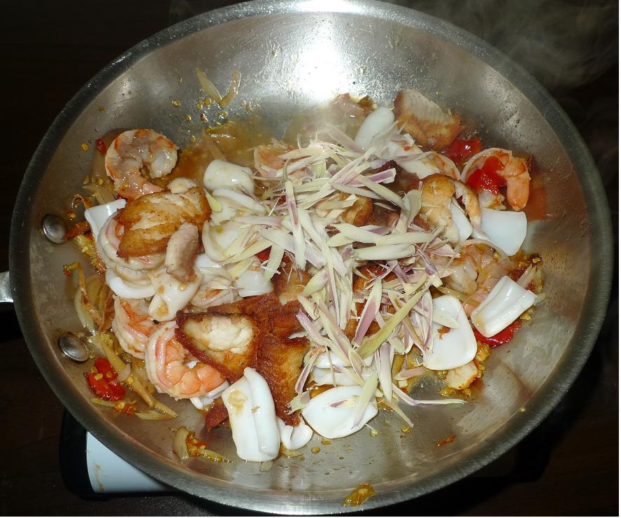 Thai Kitchen Chester: Amporn's Thai Kitchen: Stir-fried Spicy Seafood