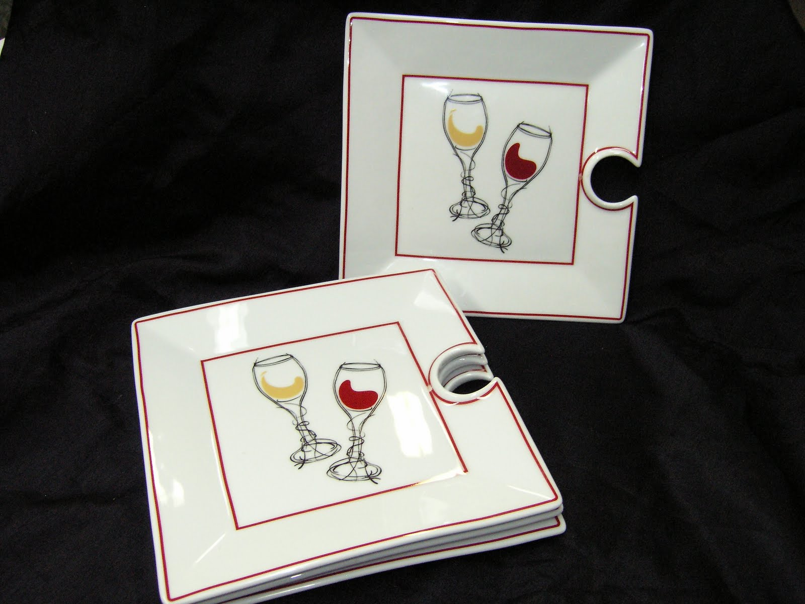 Recycle Sisters: It's Wine Time! Wine Holder Appetizer Plates