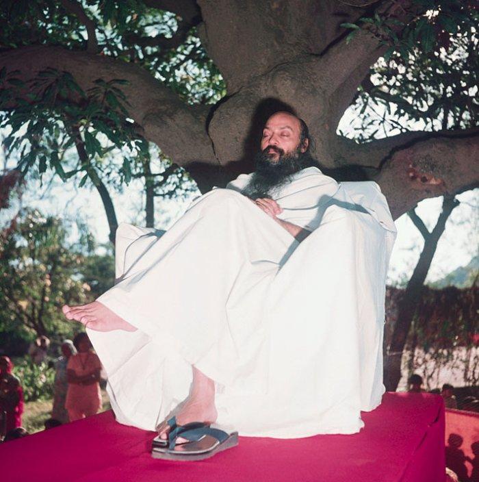 DE-STRESS WITH MEDITATION: Osho Meditation( Sit Silently