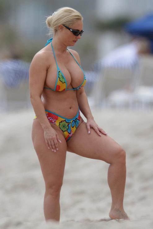 Unseen Tamil Actress Images Pics Hot: coco-nicole-austin-hot-bikini-candids