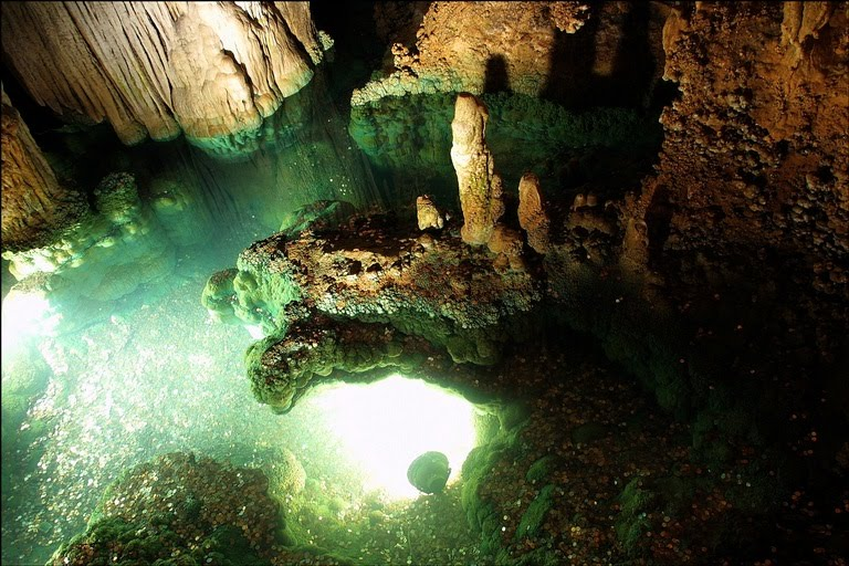 Holiday Destination Luray Caverns World Holiday Destinations Best Vacation Places