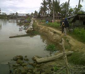 ACEH SINGKIL: Tanggul Pengaman Banjir Sungai Rintis, Kian Kritis