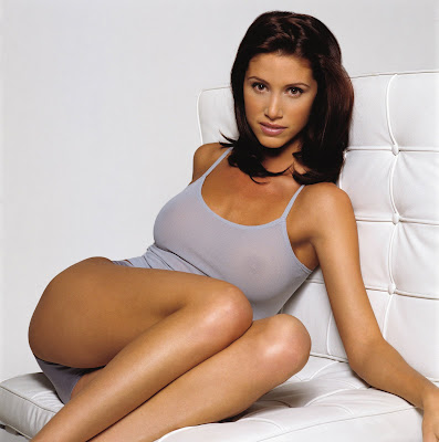 Shannon Elizabeth high resolution picture