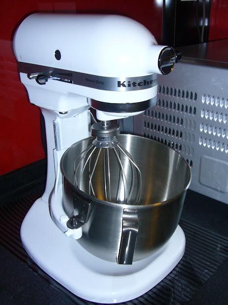 Blissndreams Kitchenaid Heavy Duty Mixer 5kpm50