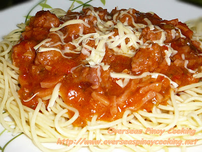 Pinoy Spaghetti with Sweet Longganisa