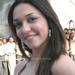 Sexy Star Nauheed Cyrusi Hot Bollywood Pics